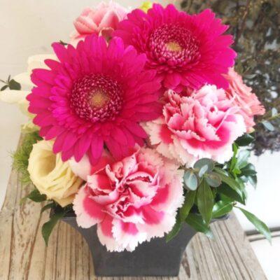 【母の日ギフト】お任せ生花アレンジメント